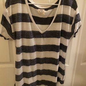 American Eagle vintage t-shirt, v-neck, size XL